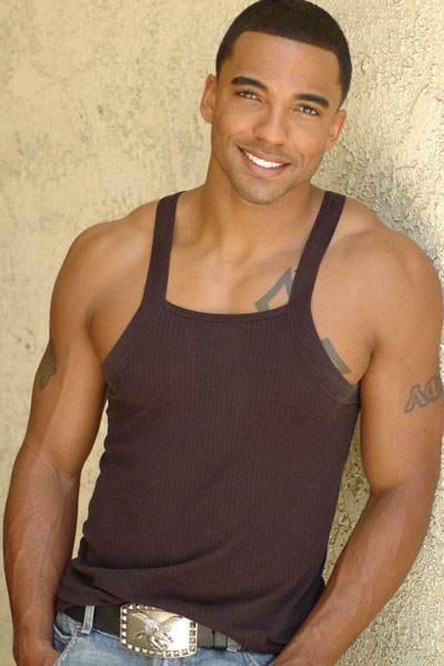 What nationality is christian keyes